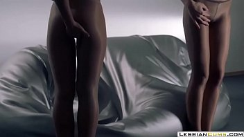 panty lesbians soak Gordita de 15
