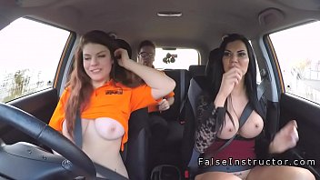 car public in masturbator Fat yong guaer