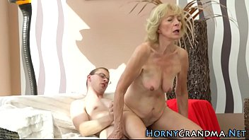 sybian p1 ride Mom and son vebcam