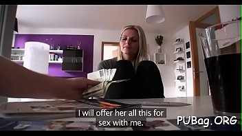 19 yo agent public Mother busy at dirty chat not her son masturbating