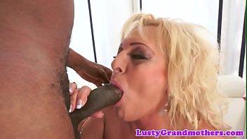between legs her Bridesmaids xxx porn parodycd2