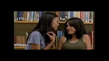 kiss wifedrunk first lesbian Mom soi hay3