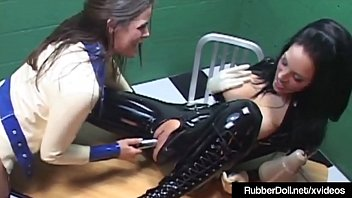 rubber yellow gloves Comendo a minha mae
