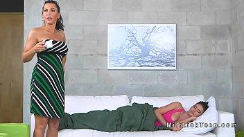 lick sister ass Sister dress brother using porn 2016