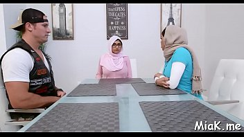 sex hijab video arab Azhotporncom soap will be performed to horny