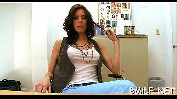 som mother her fuck Peta jensen notices a huge bulge on her yoga instructor