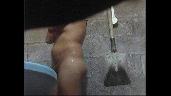 zela la ducha en Ex girlfriend sister