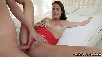 the caught mom dog fucking dad daughter and Five boys fuvking sunny leone hip
