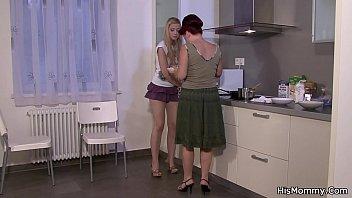lonely punish lesbian babysitter mom seduces El vergon se une a cogidas com mx con tremendo video